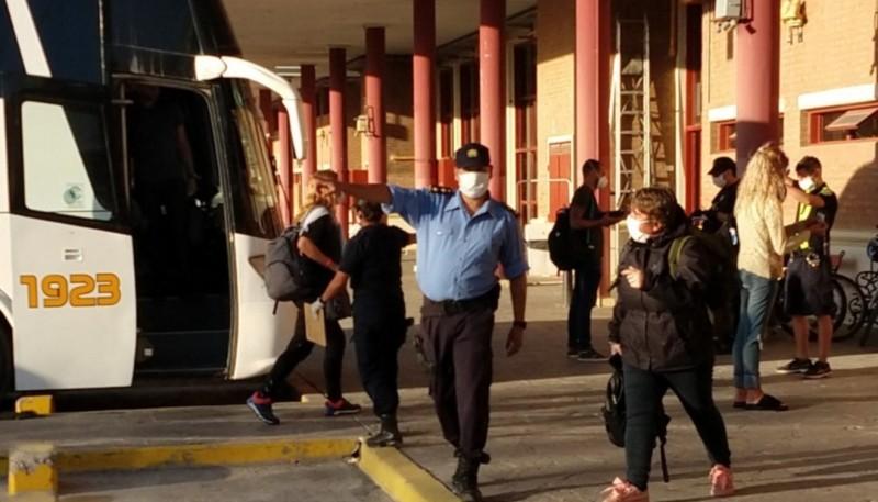 Arribaron 50 repatriados a Puerto Madryn