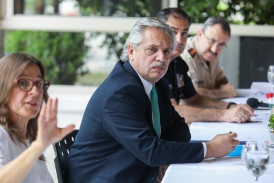 El Presidente en la reunión en Olivos.
