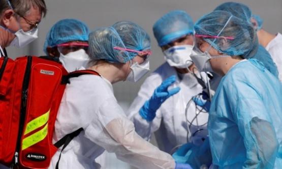 La pandemia sigue cobrándose vidas.