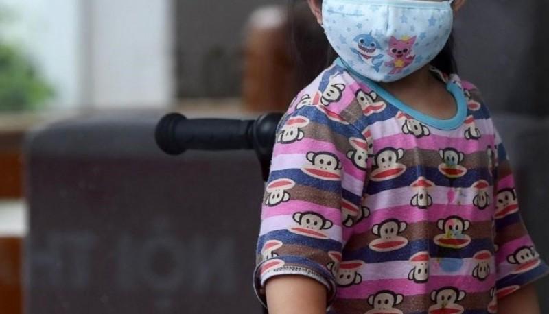 Niña pasó 16 horas junto al cuerpo de su madre fallecida por coronavirus