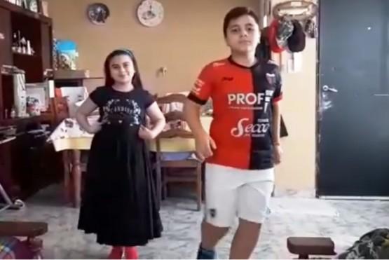 Ambar y Nahuel, de la Escuela Provincial de Danzas