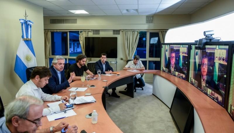 El Presidente mantiene una videoconferencia con los Gobernadores
