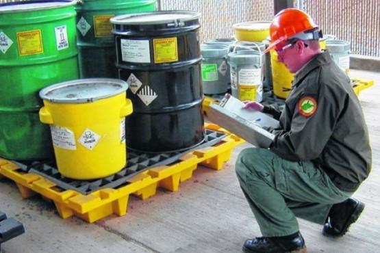 El control de los residuos peligrosos está en la legislación provincial y nacional. (Ilustrativa).