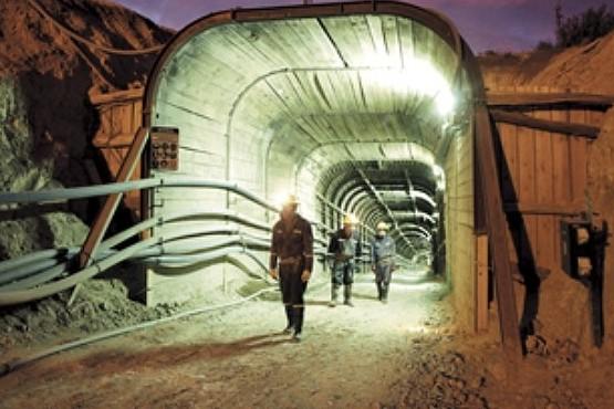 Reclamo por la continuidad del trabajo en la minería