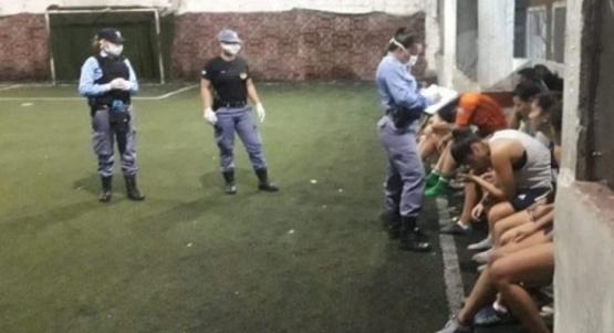 Once mujeres detenidas por querer ir a jugar al fútbol
