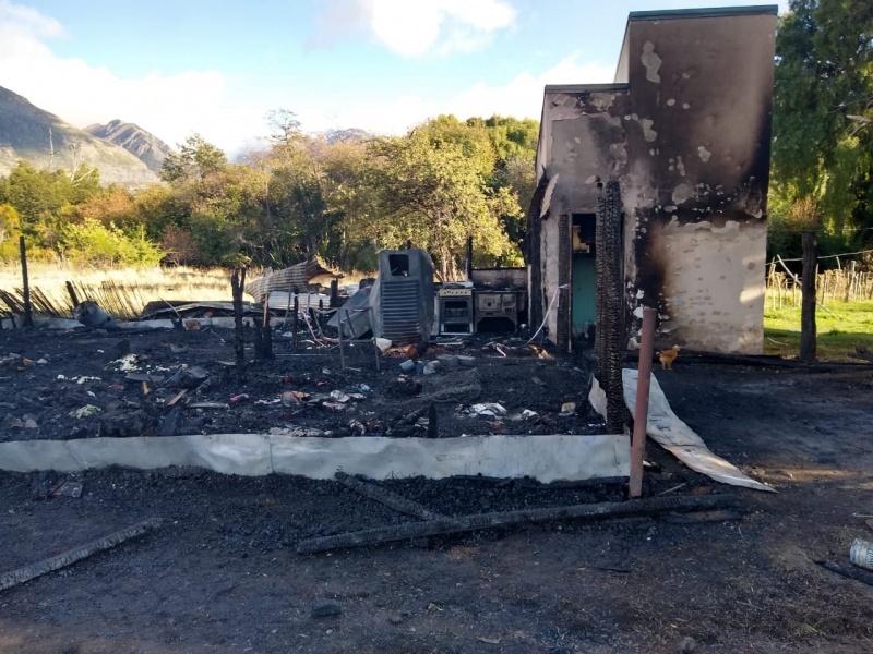 Así quedó la vivienda tras ser incendiada.