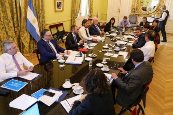 """El Gobierno analizó medidas para """"flexibilizar"""" la cuarentena"""