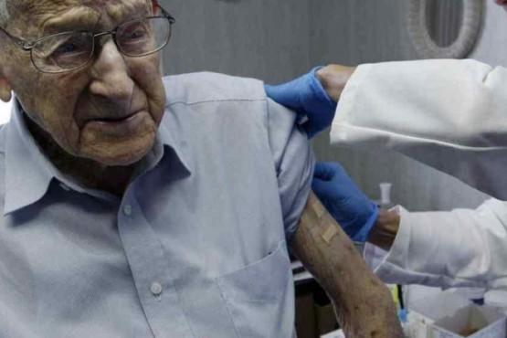 Vacunación antigripal del PAMI (Foto La Voz)