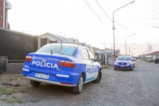 Dos jóvenes detenidos por robar bebidas alcoholicas, cigarrillos y dinero