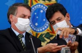 Bolsonaro echó a su ministro de Salud