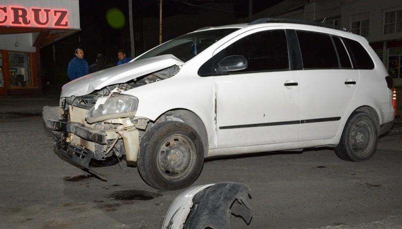 Estado en que terminó el Sandero tras colisionar. (Foto: F.C.)