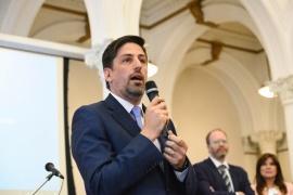 Nicolás Trotta reafirmó que continúa la educación a distancia