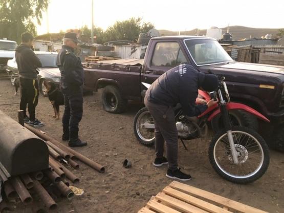 Robaron una moto y terminaron hubo allanamientos múltiples