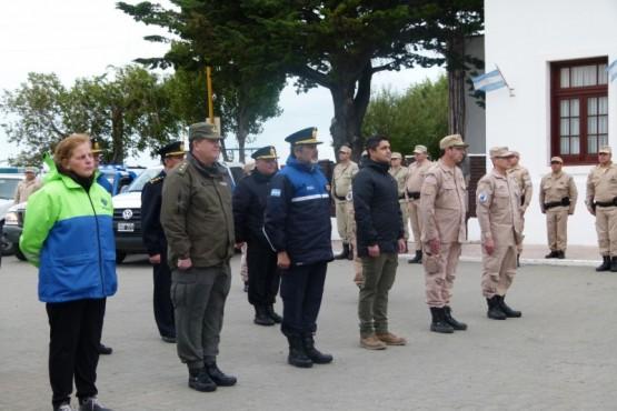 Las fuerzas de seguridad realizaron un homenaje al prefecto Ricardo Soto