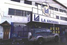38 empleados de La Anónima aislados tras darle Coronavirus positivo a una cajera