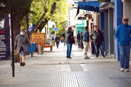 Lo único abierto hoy en el centro de Río Gallegos son las entidades bancarias. (C.R.).