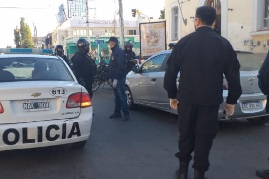 La policía y otras fuerzas actuaron en el control (Foto C.R.)