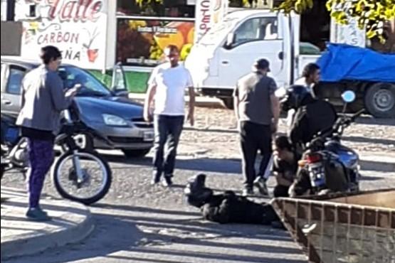 Eludieron un control, atropellaron a un policía y agredieron a otros