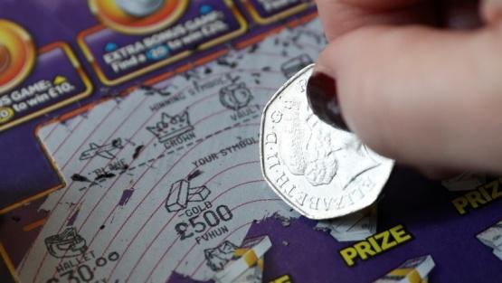 El cambio de vida de una joven tras ganar la lotería durante la cuarentena