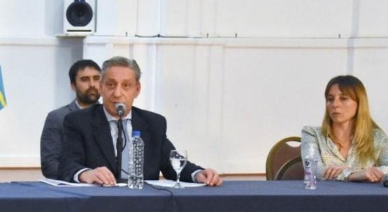 Primer caso: Arcioni pidió solidaridad  y reflexión
