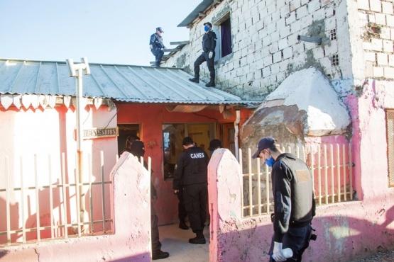 Vivienda allanada por la policía. (Foto: C.G.)