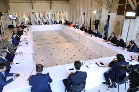 Arcioni participó en la reunión que Alberto Fernánez convocó en Olivos