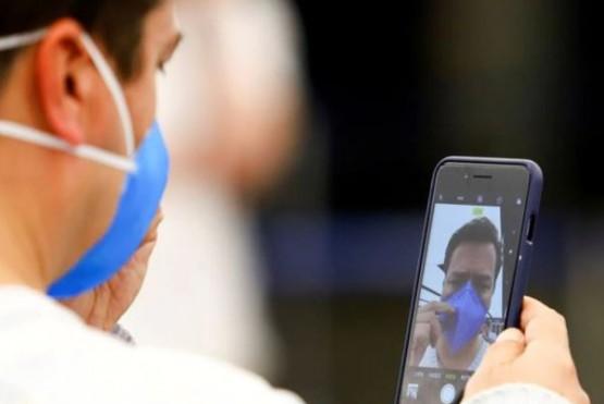 Cómo desbloquear el celular con reconocimiento facial si tenés puesto el barbijo