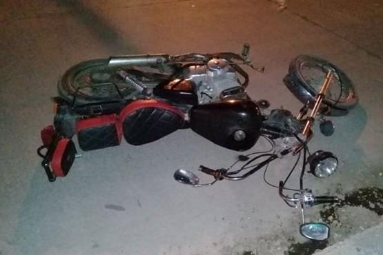 Un motociclista hospitalizado tras fuerte choque
