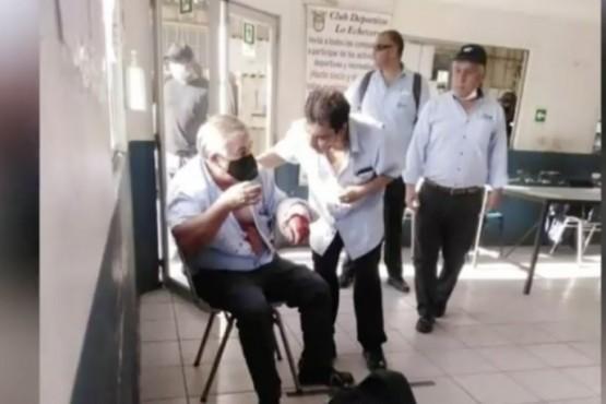 Un chofer de colectivo no dejó que subiera un pasajero sin barbijo y fue apuñalado