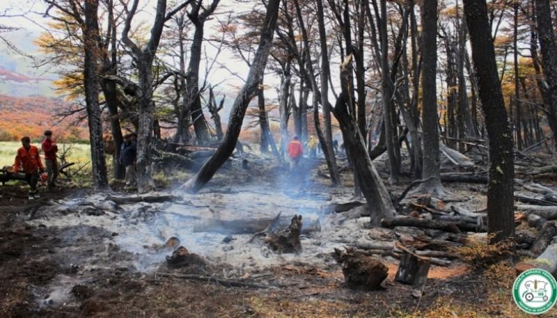 La Brigada del CAP de El Chaltén intervino en dos importantes incendios