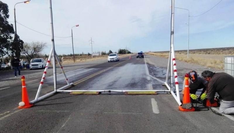 Donaron arco para desinfección de vehículos sobre ruta 25