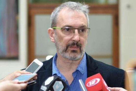 El ministro Puratich.
