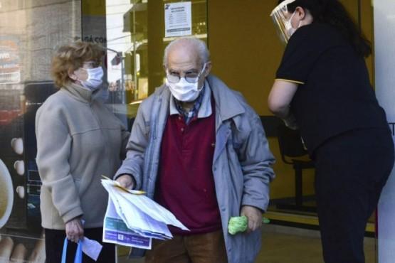 Coronavirus: 90 casos nuevos y 142 muertes
