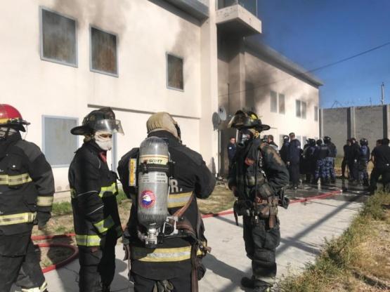 Bomberos apagaron incendio de la alcaidía de Comodoro