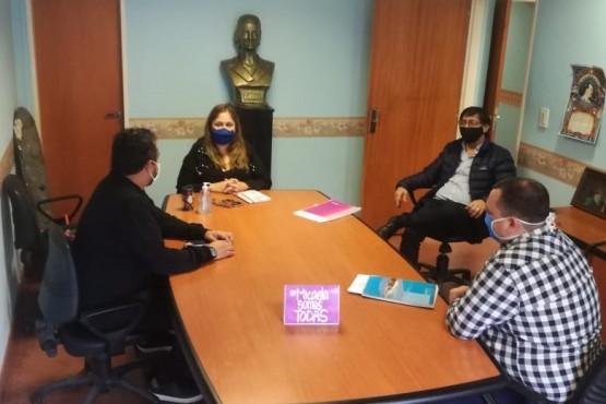 Los concejales se preparan para sesionar de manera virtual