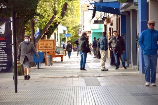 Gente en el centro (C.R.)