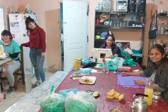 Cooperativa textil donó 450 barbijos a trabajadores municipales