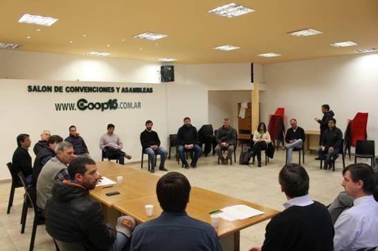 Autoridades de la Cooperativa 16 de Octubre se reunieron con Intendentes y Diputados