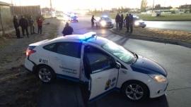 Patrullero custodiaba ambulancia, despistó y terminó sobre la vereda