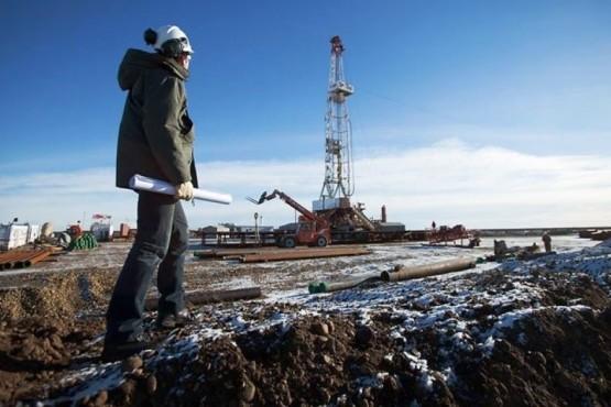 Los petroleros del país empiezan a cerrar los acuerdos que garantizan los puestos laborales. (Ilustrativa).