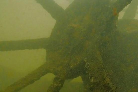 Parte del naufragio encontrado en el Paraná.