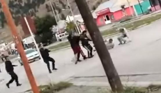 Vecinos de Esquel lincharon a detenido con domiciliaria