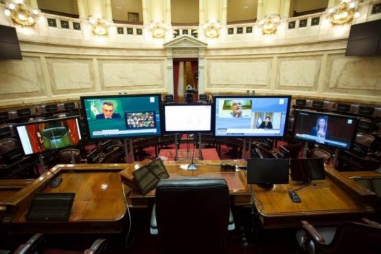 Los DNU del presidente Fernández se trataron en comisión realizada con plataforma virtual.