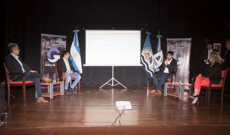 Presentación en el Teatro Municipal. (C.G)