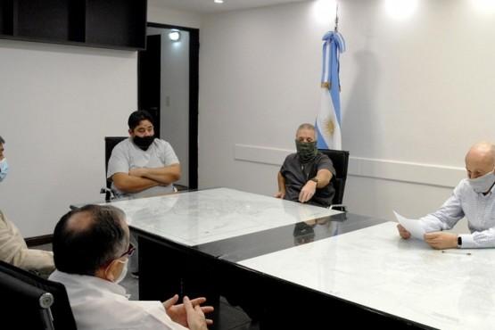 El COE provincial donó elementos médicos al Hospital MEPRISA