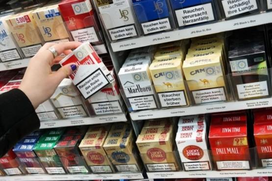 El desabastecimiento de los cigarrillos provoca que en algunos lugares se vendan a $500