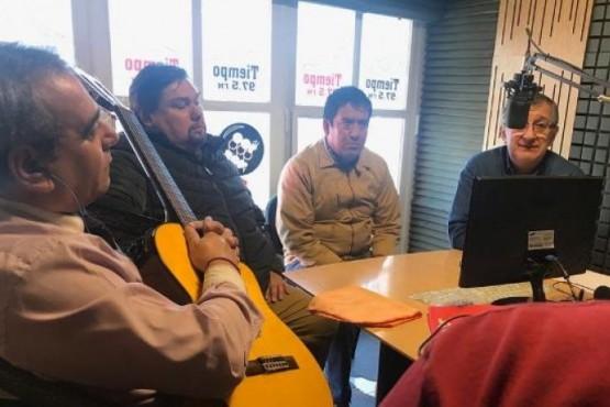 Organizadores durante una visita en Tiempo FM