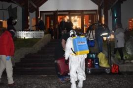 Criminalística y comando radioeléctrico desinfectaron equipajes de turistas franceses