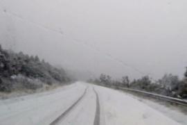 Nieve en la Patagonia: piden extrema precaución para circular