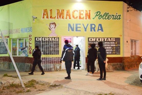 Local que fue blanco de los delincuentes. (Foto: F.C.)